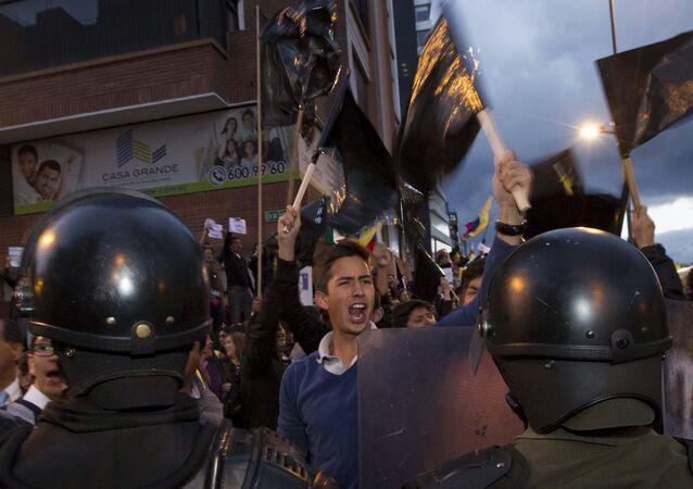 """Protestas por """"ley de herencias"""" refleja polarización en Ecuador"""