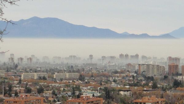 Santiago de Chile amanece con preemergencia por contaminación - Sputnik Mundo