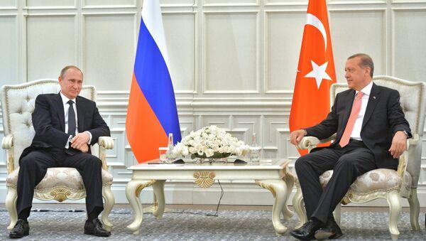 Presidente de Rusia, Vladímir Putin y presidente de Turquía, Recep Tayyip Erdogan - Sputnik Mundo