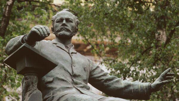 Monumento a Tchaikovski en el centro de Moscú - Sputnik Mundo