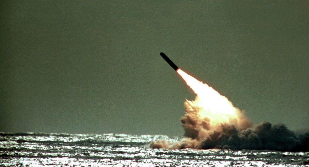 Lanzamiento de un misil balístico intercontinental (imagen referencial)