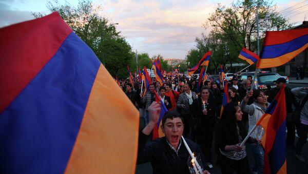 Marcha ceremonial en memoria de las víctimas del genocidio de armenios en Erevan, Armenia (Archivo) - Sputnik Mundo