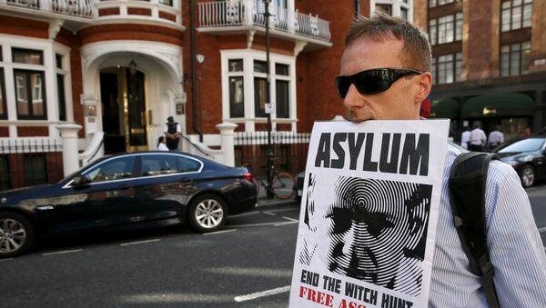 Londres habrá gastado €14 millones en detención de Assange - Sputnik Mundo