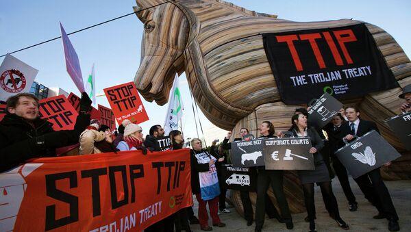 Demonstración contra el TTIP (archivo) - Sputnik Mundo