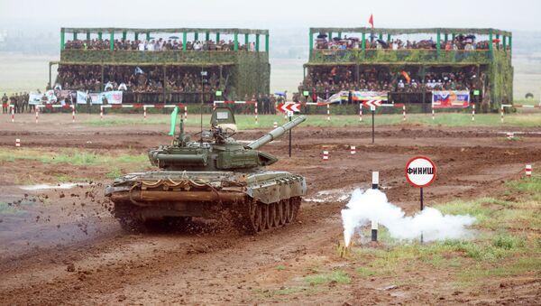 Tanque T-72B3 en los Juegos Militares 2015 de Rusia - Sputnik Mundo