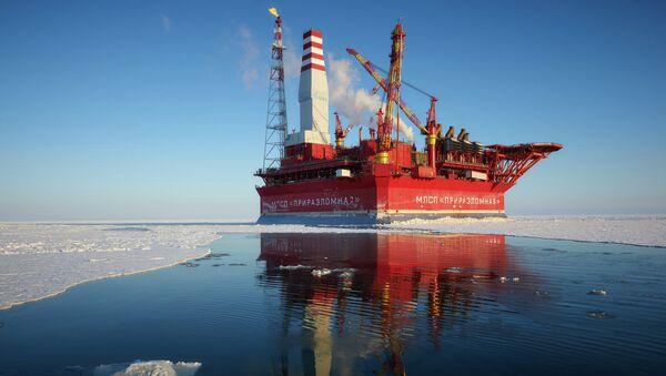 Plataforma petrolera rusa Prirazlómnaya - Sputnik Mundo