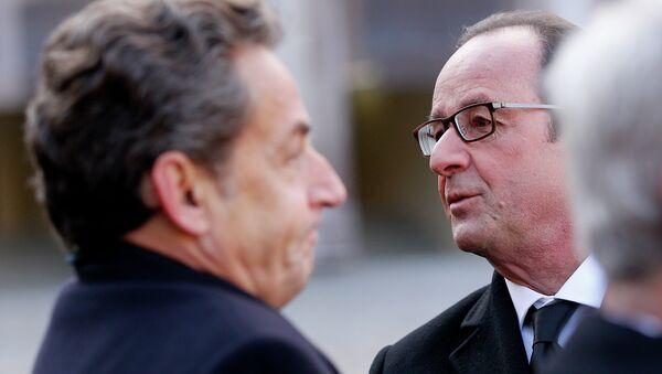 Expresidente de Francia, Nicolás Sarkozy y presidente francés, François Hollande - Sputnik Mundo
