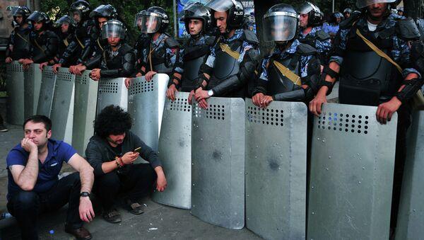 Protesta en Armenia - Sputnik Mundo