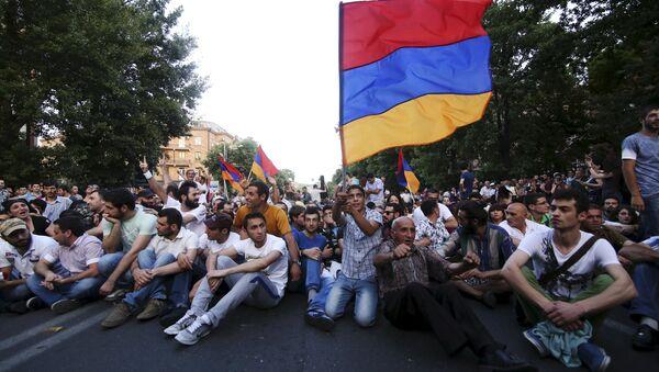 Las protestas en Armenia cumplen una semana - Sputnik Mundo