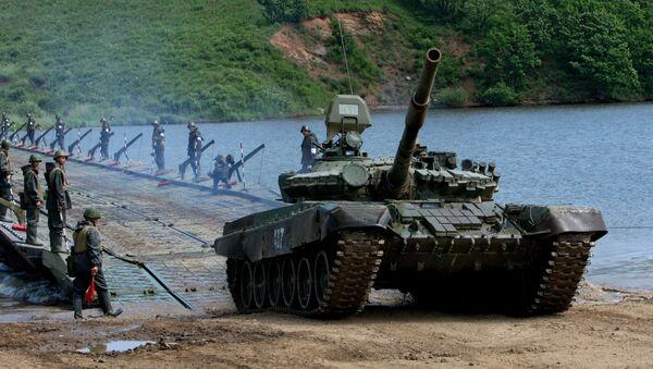 Ejercicios de tropas de pontones en el Lejano Oriente ruso - Sputnik Mundo