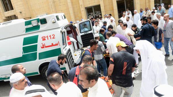 Situación después la explosión suicida en la mezquita chií Imán al Sadik en Kuwait - Sputnik Mundo