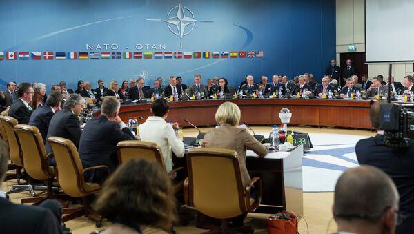 Reunión de los ministros de Defensa de la OTAN - Sputnik Mundo