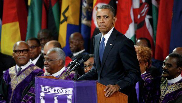 El presidente de EEUU, Barack Obama, en el funeral del reverendo Clementa Pinckney, una de las víctimas del ataque de Charleston - Sputnik Mundo