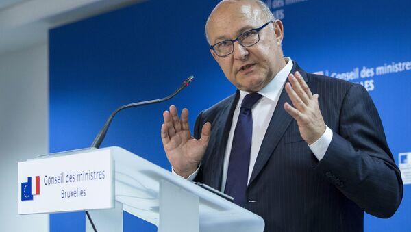 Michel Sapin, ministro de finanzas de Francia, en Bruselas, Bélgica, el 27 de junio, 2015 - Sputnik Mundo