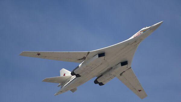 Bombardero estratégico Tu-160 - Sputnik Mundo