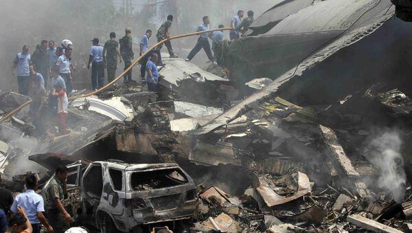 Lugar de crash del avión militar en Indonesia - Sputnik Mundo