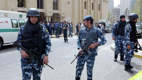 Policía kuwaití en el lugar del atentado terrorista en el hotel Imperial Marhaba. 26 de junio de 2015 - Sputnik Mundo