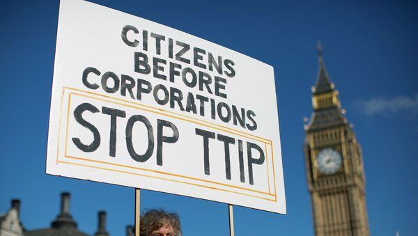 Manifestación contra TTIP en Londres (Archivo) - Sputnik Mundo