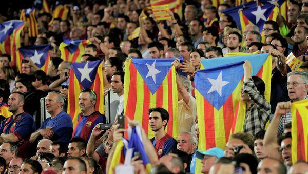 Los aficionados de Barça con esteladas - Sputnik Mundo