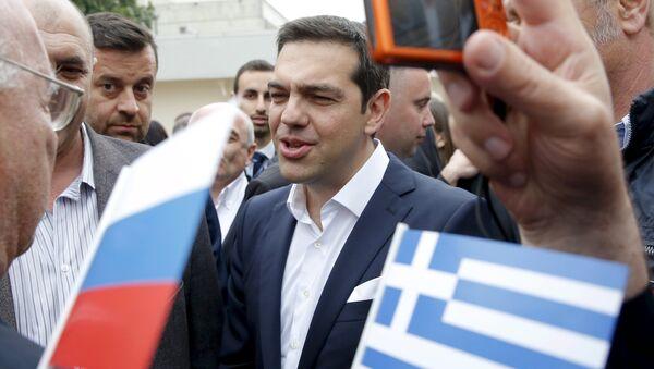Primer ministro de Grecia, Alexis Tsipras, durante su visita a San Petersburgo, Rusia - Sputnik Mundo
