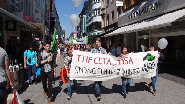 Protesta contra TTIP, CETA y TiSA en Berlin, Alemania - Sputnik Mundo