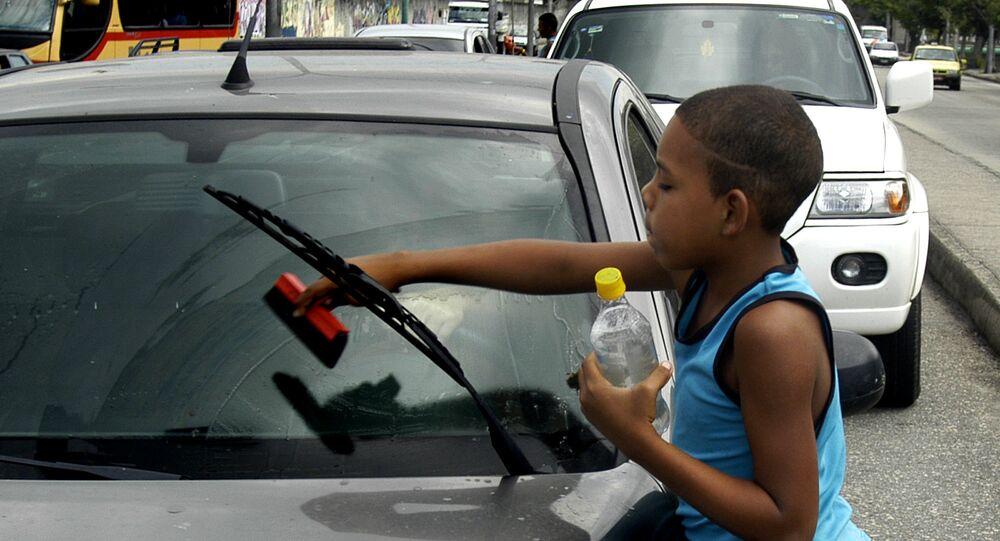 Niños de la calle en Venezuela, al acecho del COVID-19 para poder ...