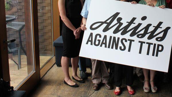 Artistas de Reino Unido lanzan su propia campaña contra el TTIP - Sputnik Mundo