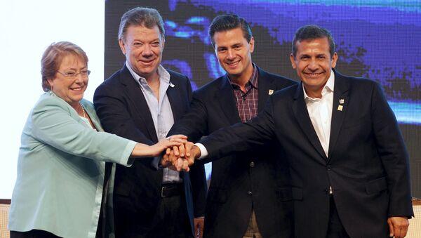 Presidente de Chile, Michelle Bachelet, presidente de Colombia, Juan Manuel Santos, presidente de México, Enrique Peñá Nieto, y presidente de Perú, Ollanta Humala - Sputnik Mundo