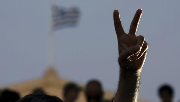 Signo de la victoria, Grecia - Sputnik Mundo