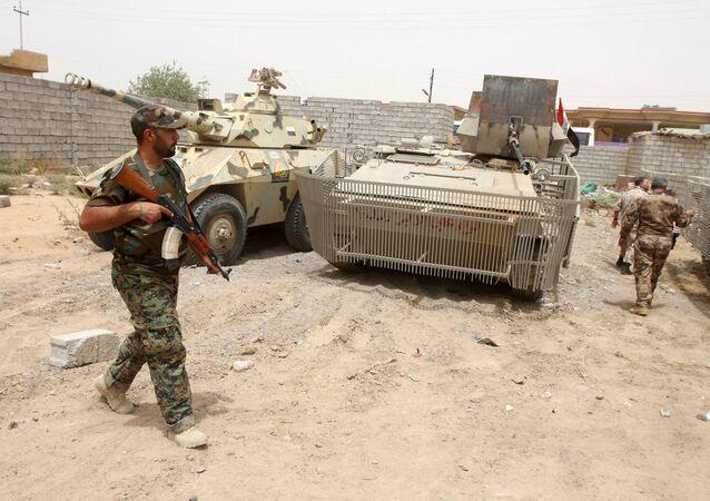 Miliciano chií en Baiji, Irak, el 2 de julio, 2015