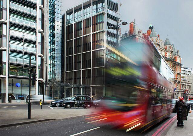 Calle de Knightsbridge en Londres, Inglaterra