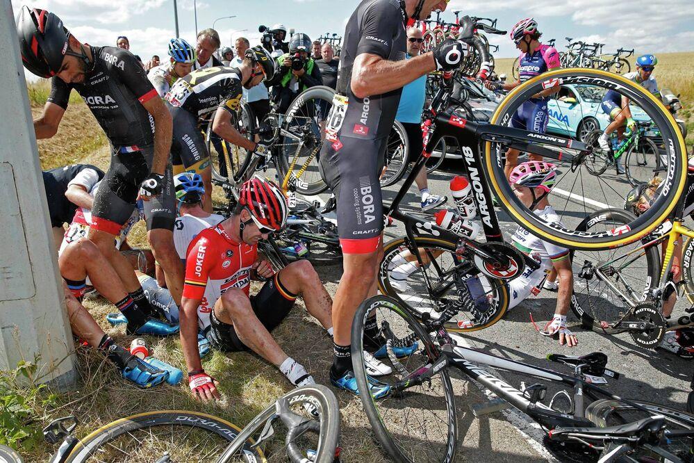 Terrible accidente en el Tour de Francia