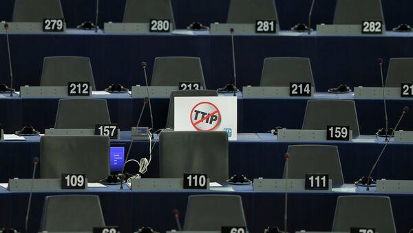 La UE celebrará una conferencia sobre el TTIP el 17 de noviembre - Sputnik Mundo