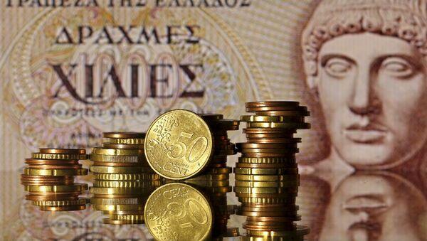 Europa aprueba entrega de 2.800 millones de euros a Grecia - Sputnik Mundo