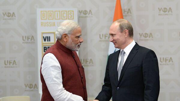 Primer ministro de la India, Narendra Modi (izda.) y presidente de Rusia, Vladímir Putin - Sputnik Mundo