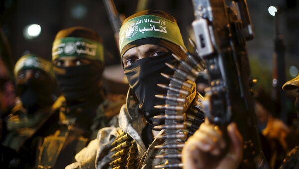 Militantes palestinos de Hamás en la Ciudad de Gaza, el 8 de julio, 2015 - Sputnik Mundo