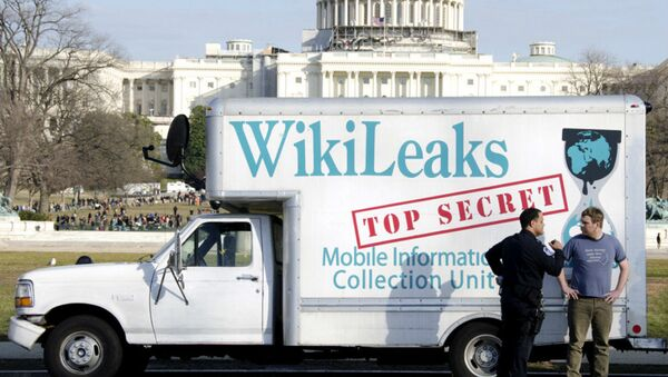 WikiLeaks publica la segunda parte de los más de 2.000 correos electrónicos de la campaña de Clinton - Sputnik Mundo