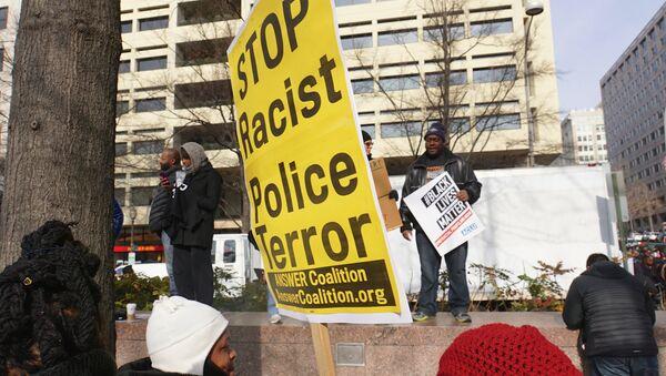 Protesta contra la violencia policial en Washington D.C., EEUU - Sputnik Mundo