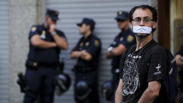 """Ley mordaza"" española debe poner en alerta a América Latina, dice periodista mexicana - Sputnik Mundo"