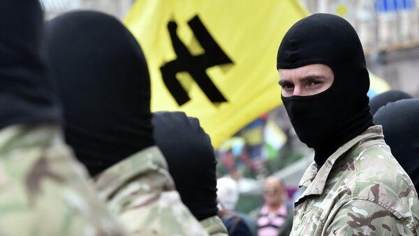 Militantes del grupo radical Pravy Sektor - Sputnik Mundo