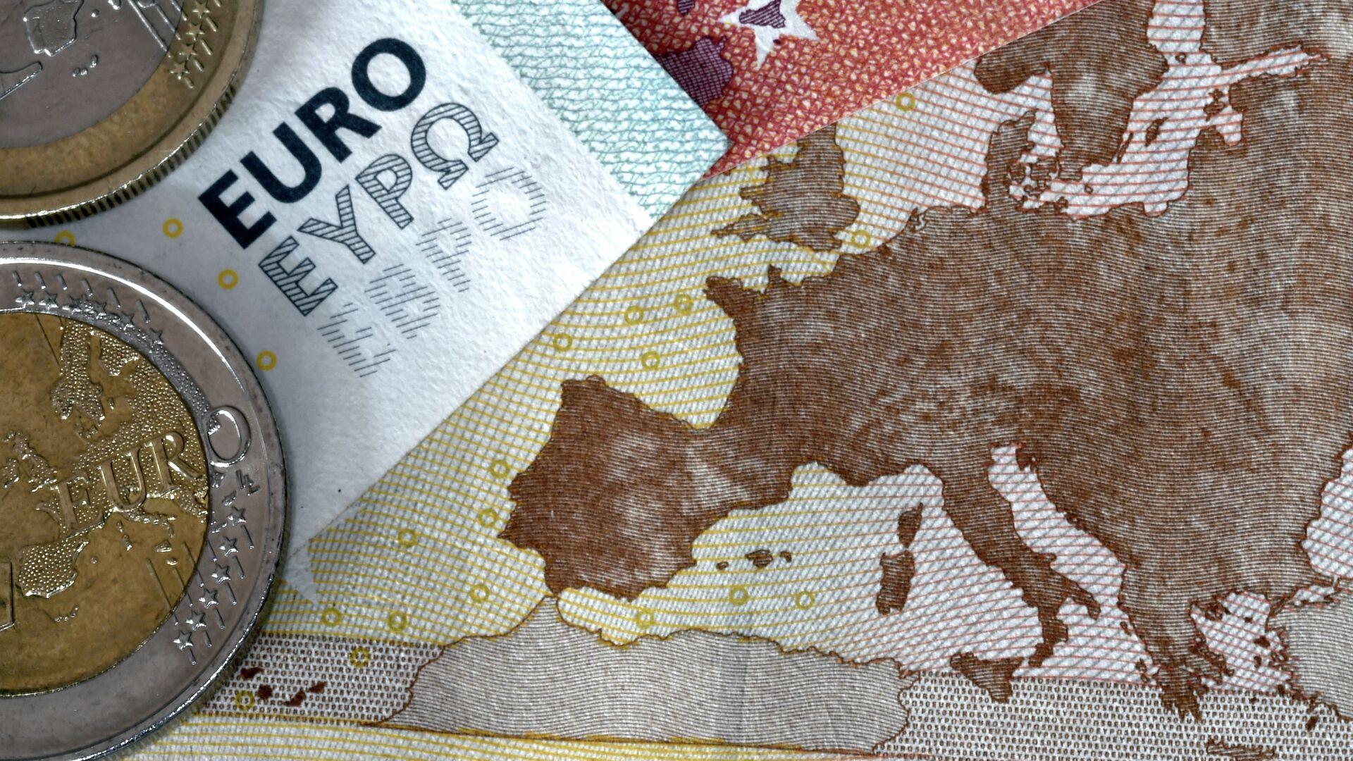 Monedas y billetes de euro - Sputnik Mundo, 1920, 16.06.2021