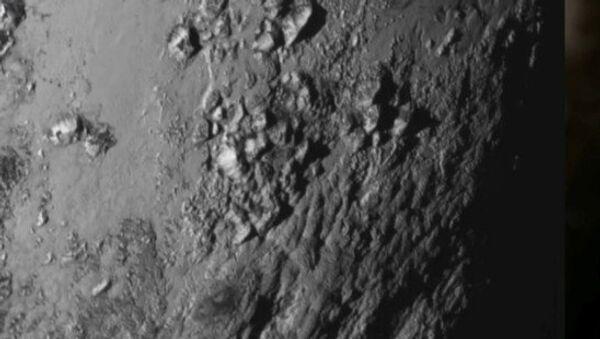 Cordilleras heladas en Plutón - Sputnik Mundo