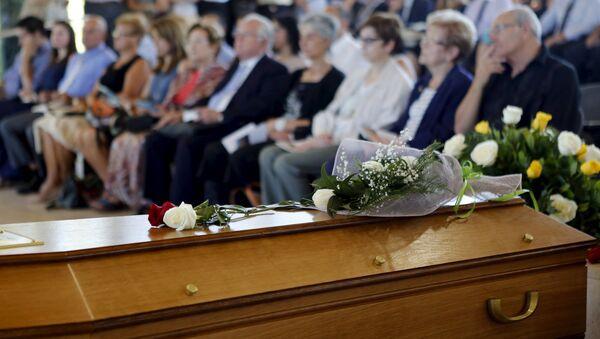 Familiares de víctimas de Germanwings exigen 200.000 euros de compensación - Sputnik Mundo