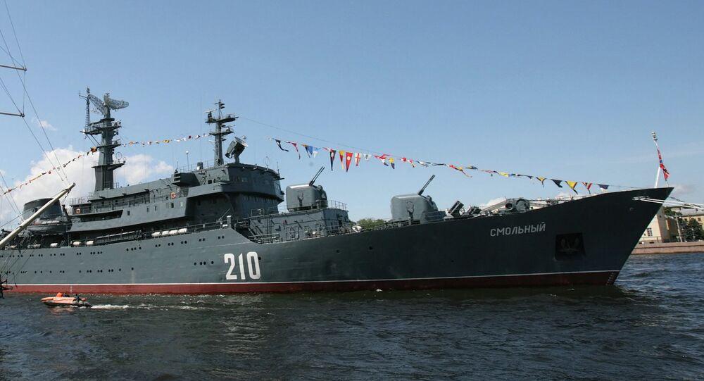 El buque escuela Smolny de la Armada rusa