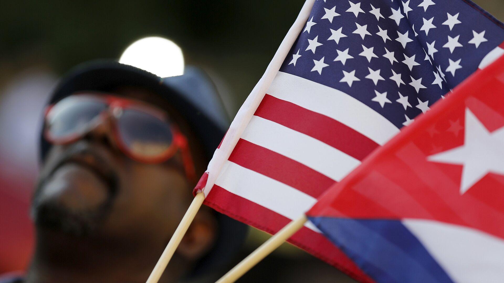 Banderas de EEUU y Cuba - Sputnik Mundo, 1920, 13.07.2021