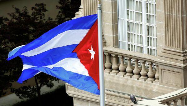 Bandera de Cuba sobre la embajada de Cuba en Washington, el 20 de julio, 2015 - Sputnik Mundo