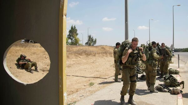 Soldados israelíes cerca la frontera con Sector Gaza - Sputnik Mundo