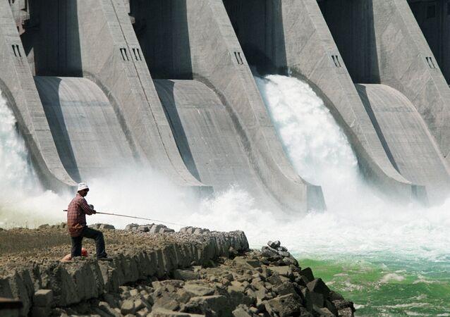 Planta hidroeléctrica (imagen referencial)