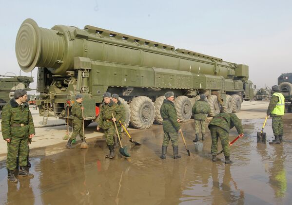 Los misiles balísticos Tópol: 30 años en servicio operacional - Sputnik Mundo