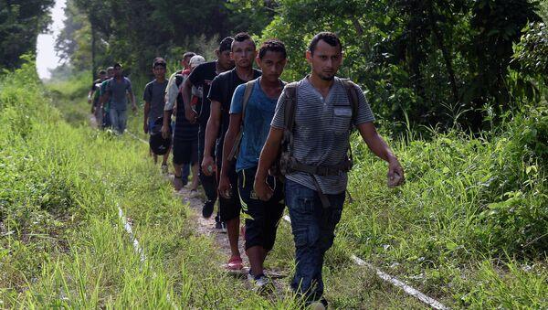 Inmigrantes mexicanos - Sputnik Mundo
